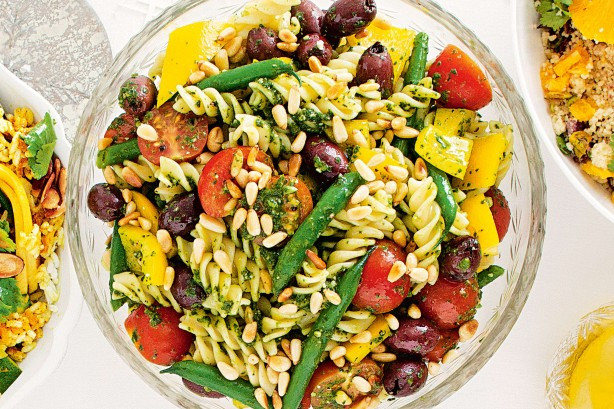 Christmas Pasta Salad  17 salads to brighten up your Christmas table image 1 of
