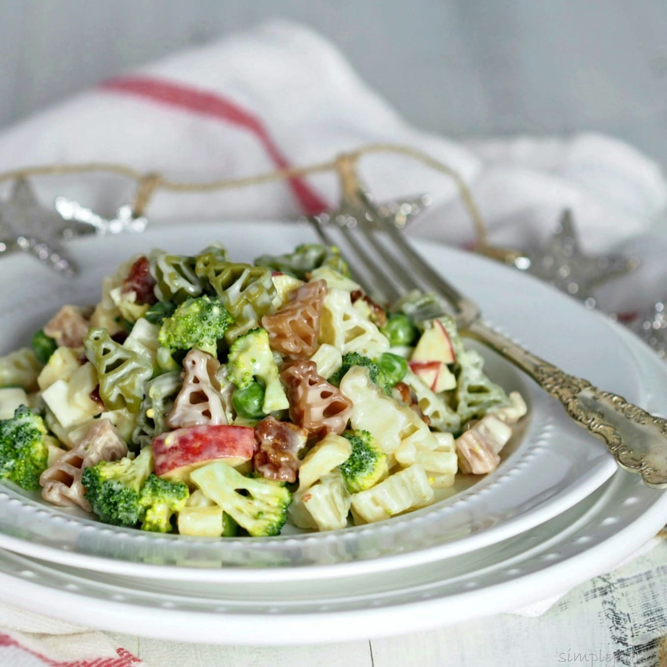 Christmas Pasta Salad  Broccoli Apple & Bacon Pasta Salad
