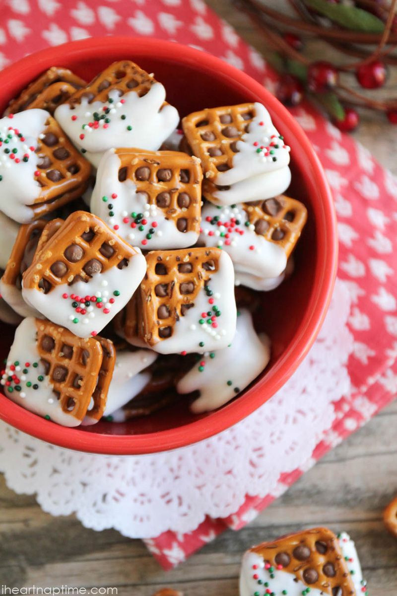 Christmas Pretzels Recipes  Best 25 Rolo pretzel treats ideas on Pinterest