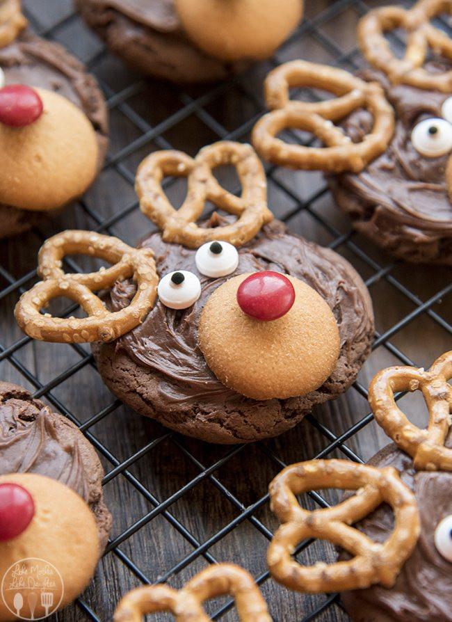 Christmas Reindeer Cookies  Reindeer Cookies LMLDFood