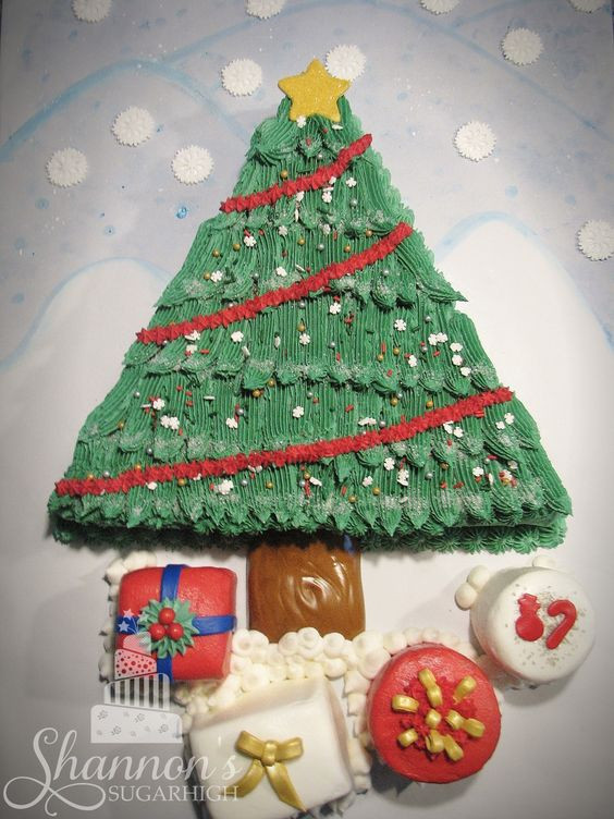 Christmas Sheet Cakes  Christmas tree chocolate sheet cake iced in vanilla