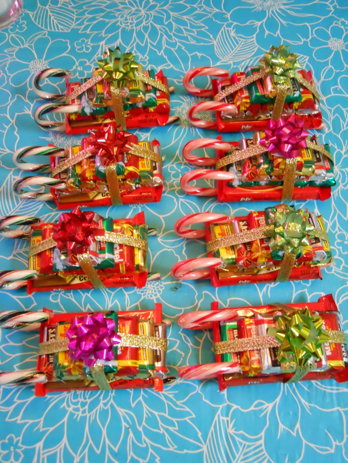 Christmas Sleigh Candy Craft  ellyn s place candy sleighs