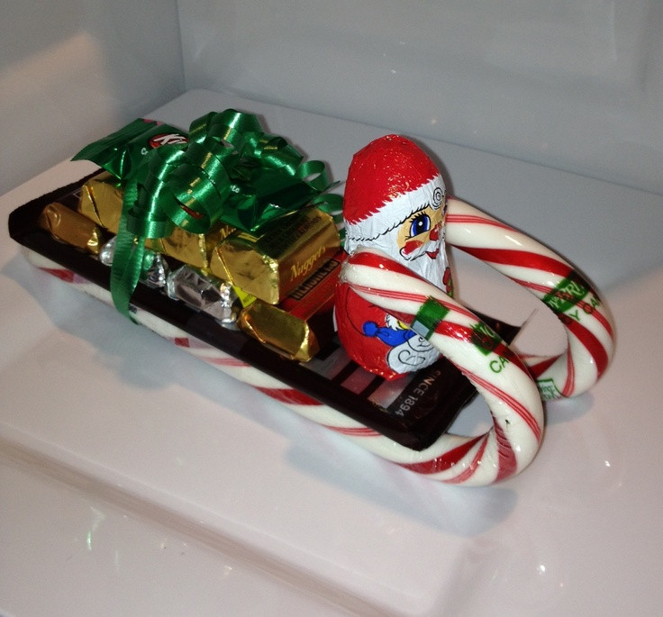 Christmas Sleigh Made Out Of Candy  17 Best ideas about Candy Sleigh on Pinterest