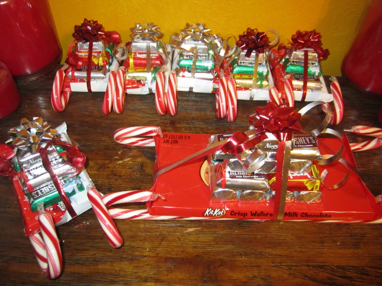 Christmas Sleigh Made Out Of Candy  Creative Me Candy sleighs