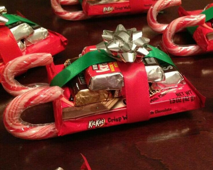 Christmas Sleigh Made Out Of Candy  Lacey s Christmas Sleigh s made out of Candy bar s Candy