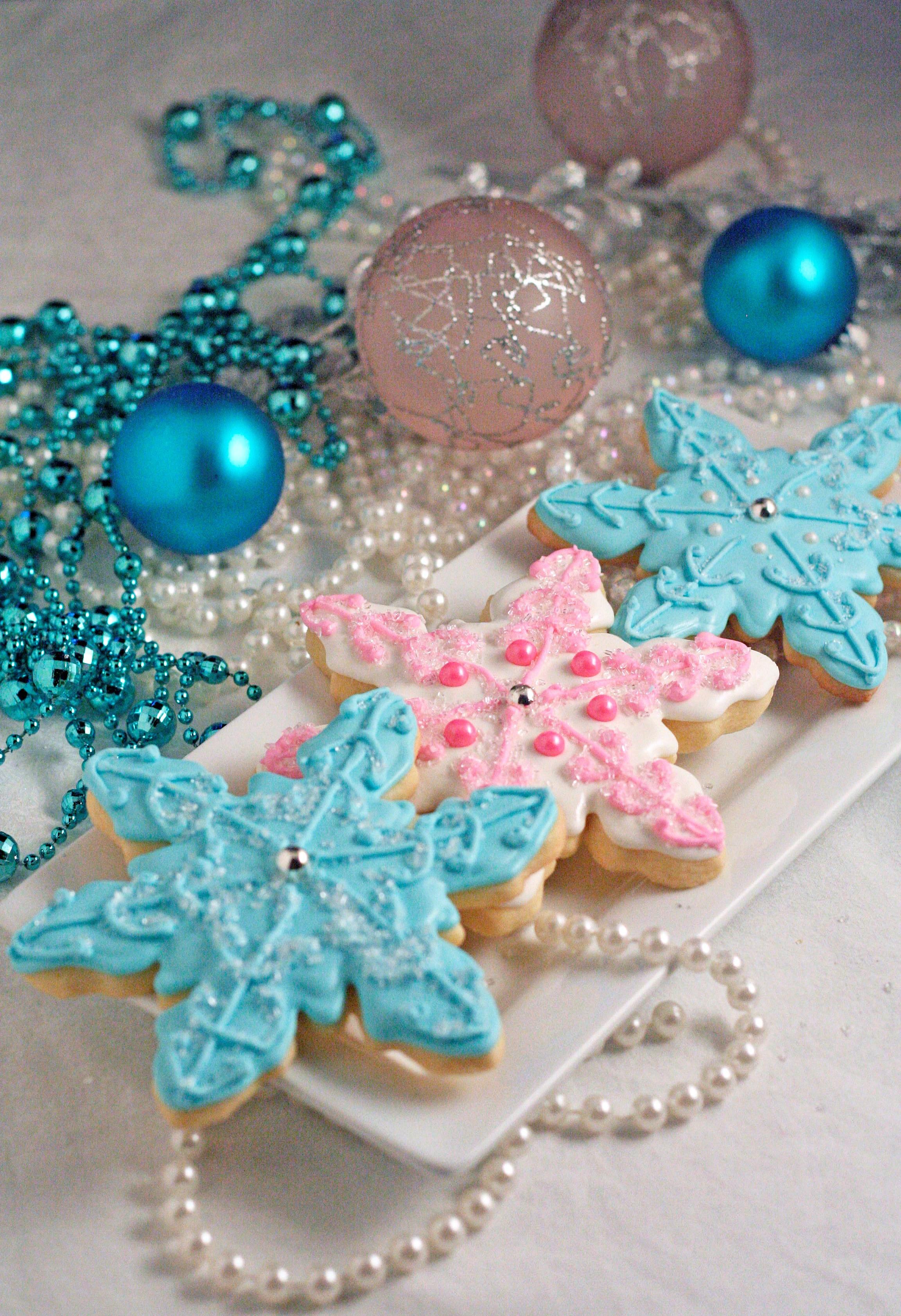Christmas Sugar Cookies With Royal Icing  Christmas Sugar Cookies with Royal Icing – Snowmen and