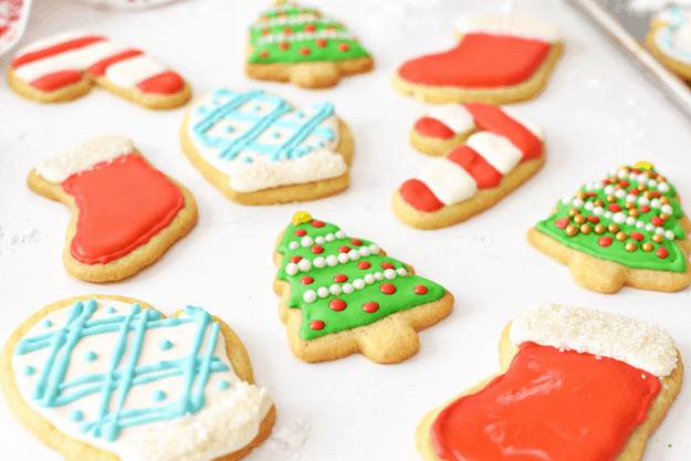 Christmas Sugar Cookies With Royal Icing  How to Make Holiday Sugar Cookies with Royal Icing