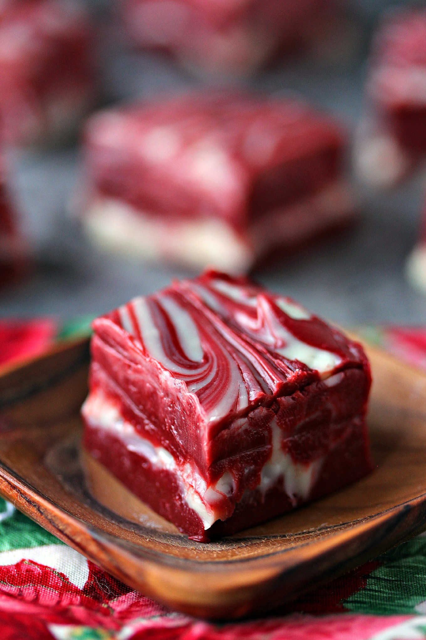 Christmas Swirl Fudge  Red Velvet Swirl Fudge 4 Ingre nts