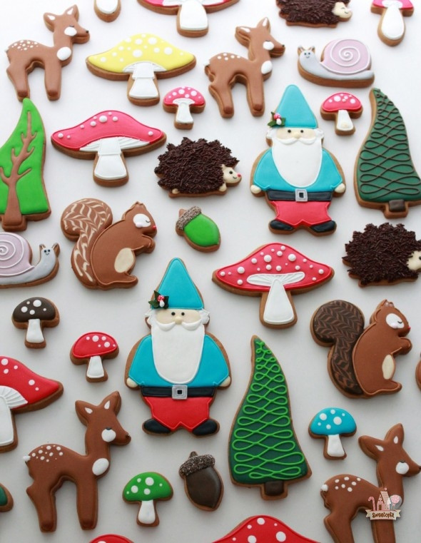 Christmas Themed Cookies  22 Fall Favorite Cookie and Cupcake Recipes & Tutorials