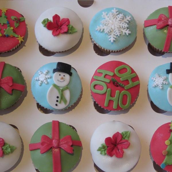 Christmas Themed Cupcakes  Neo Cakes