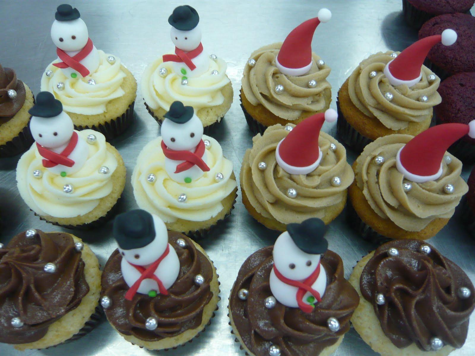 Christmas Themed Cupcakes  Christmas Themed Cupcakes 2015 Merry Christmas 2015