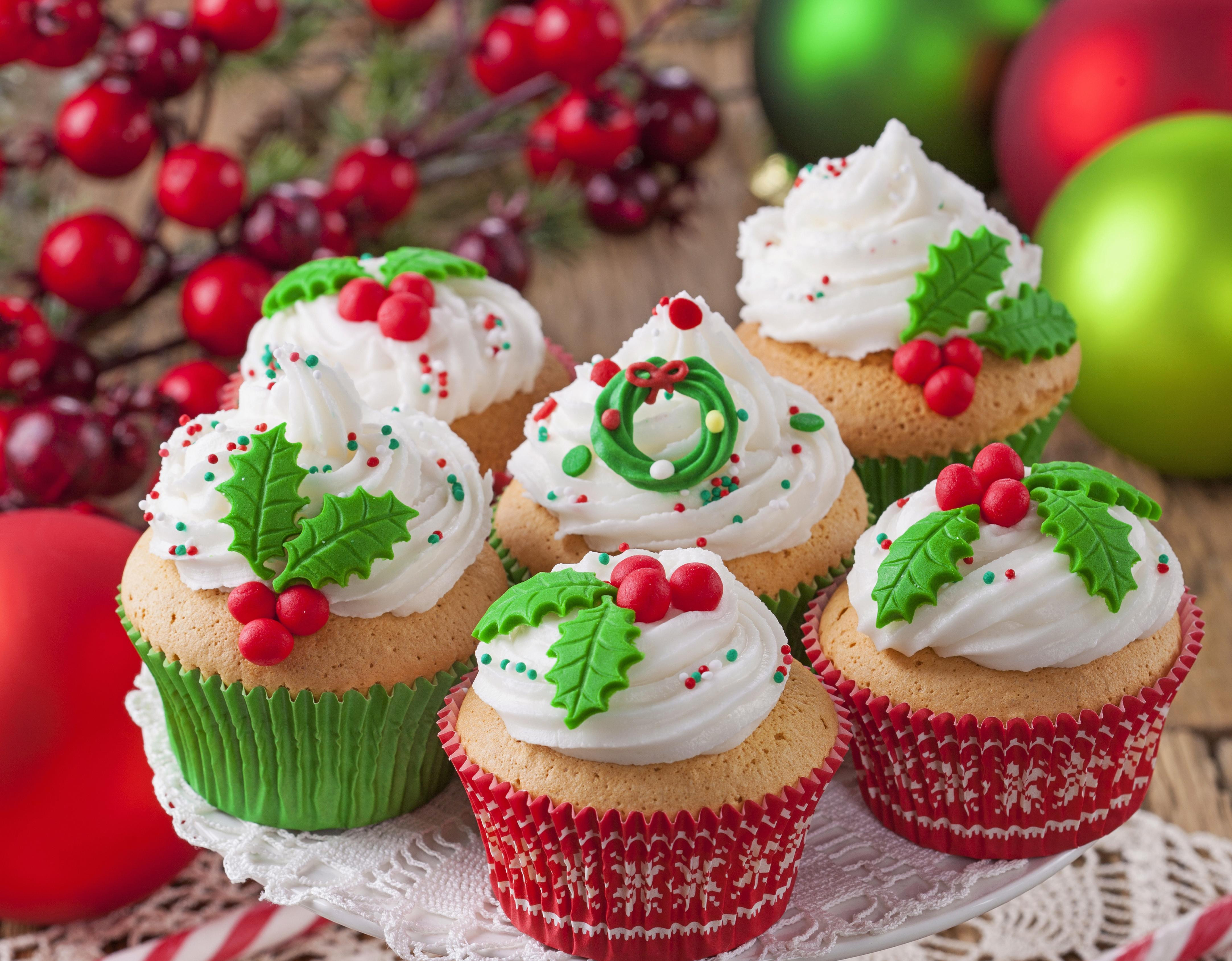 Christmas Themed Cupcakes  40 Joyous Christmas Themed Cupcakes Cupcakes Gallery