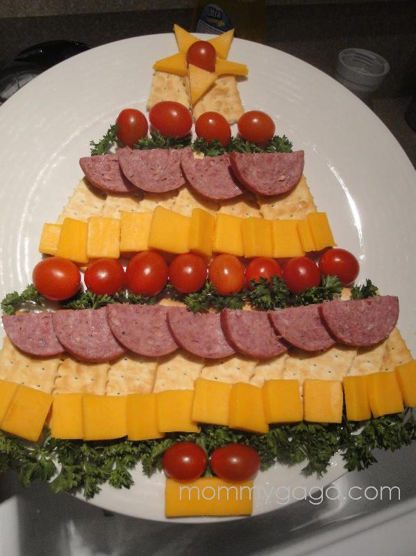 Christmas Tree Appetizers Recipes  Antipasta Skewers These look so good and fresh Yummm