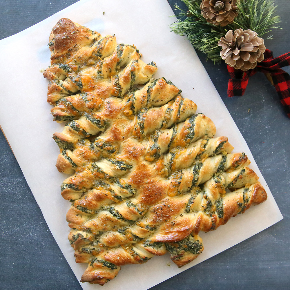 Christmas Tree Appetizers Recipes  Christmas tree spinach dip breadsticks It s Always Autumn