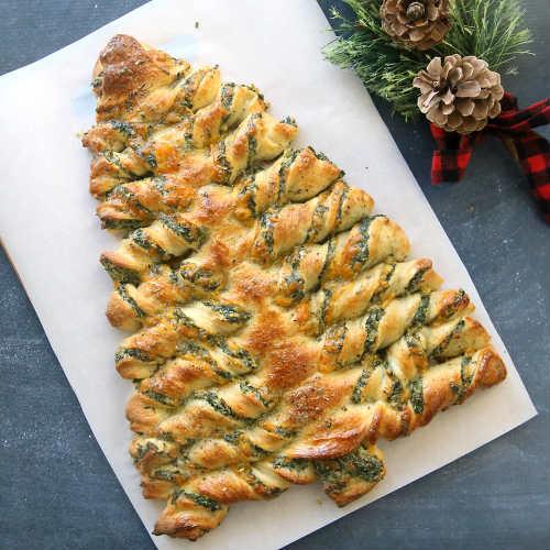 Christmas Tree Bread Recipe  Christmas Tree Spinach Dip Breadsticks Recipe – iSeeiDoiMake