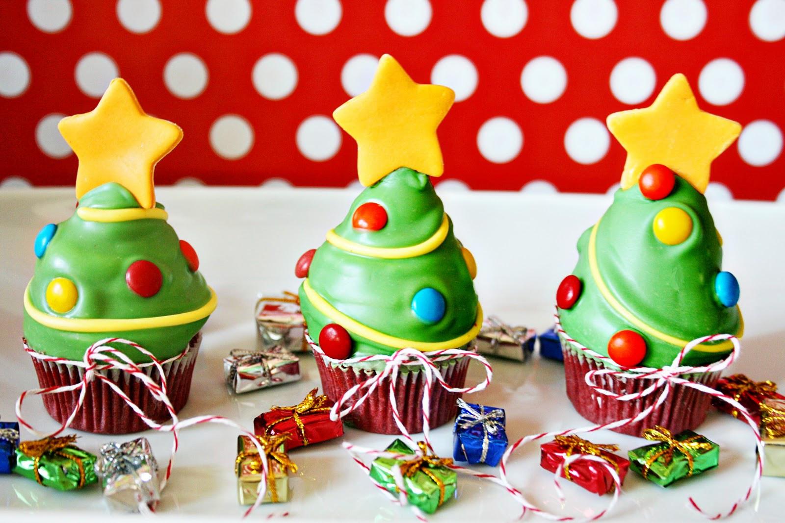 Christmas Tree Cupcakes  Amanda s Parties To Go Christmas Tree Cupcake Guest Post