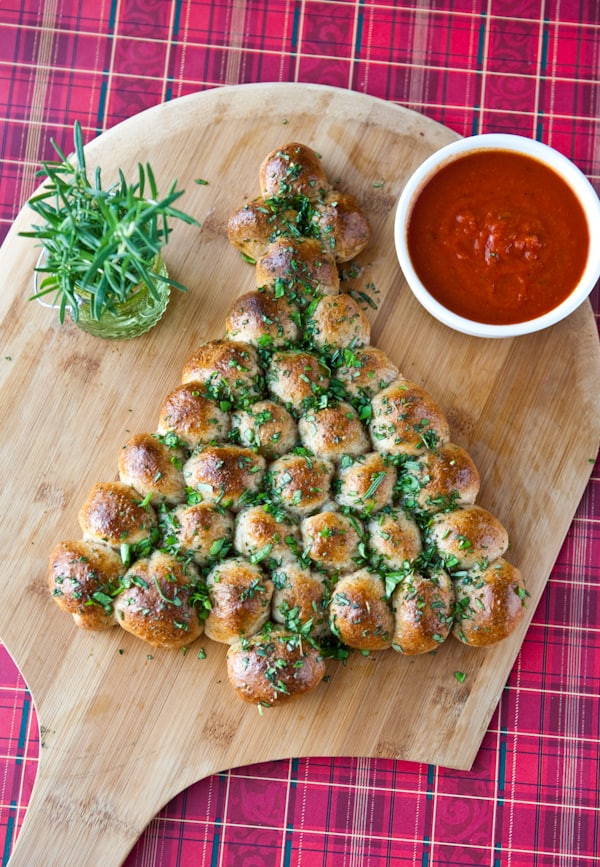 Christmas Tree Shaped Appetizers  Eclectic Recipes Cheese Stuffed Christmas Tree Pull Apart
