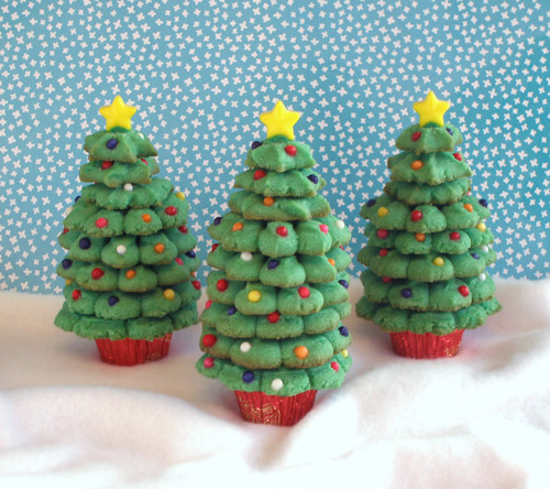 Christmas Tree Spritz Cookies  Spritz Cookie Trees CraftyBaking