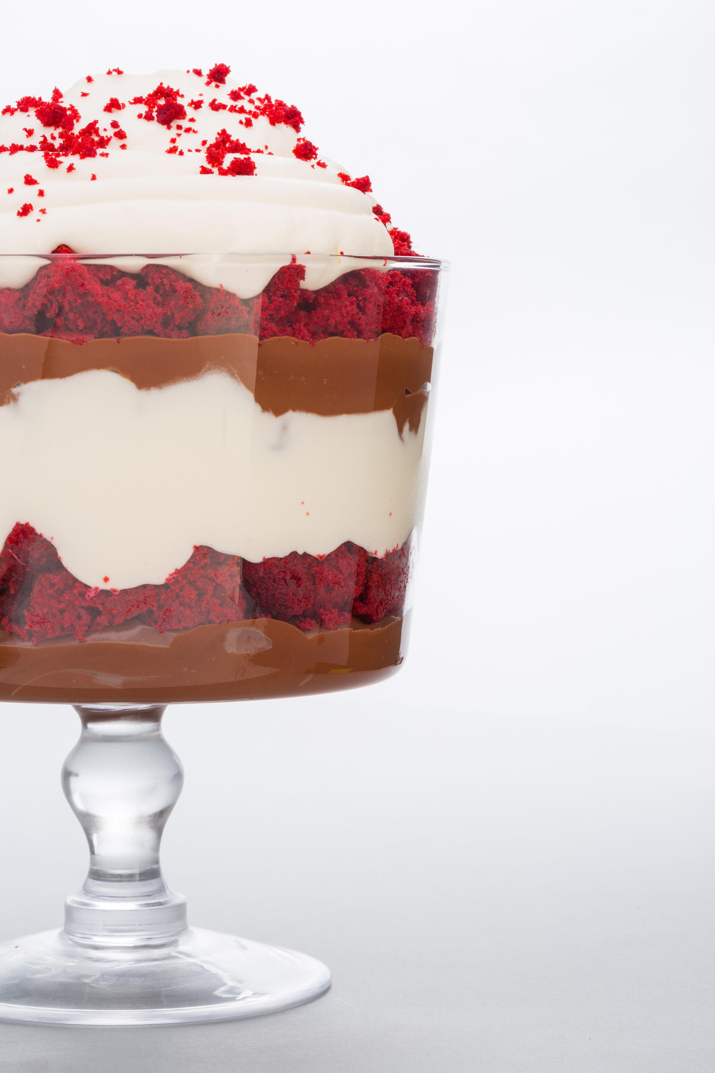 Christmas Trifle Dessert  11 Christmas Trifle Recipes Easy Holiday Trifle Desserts