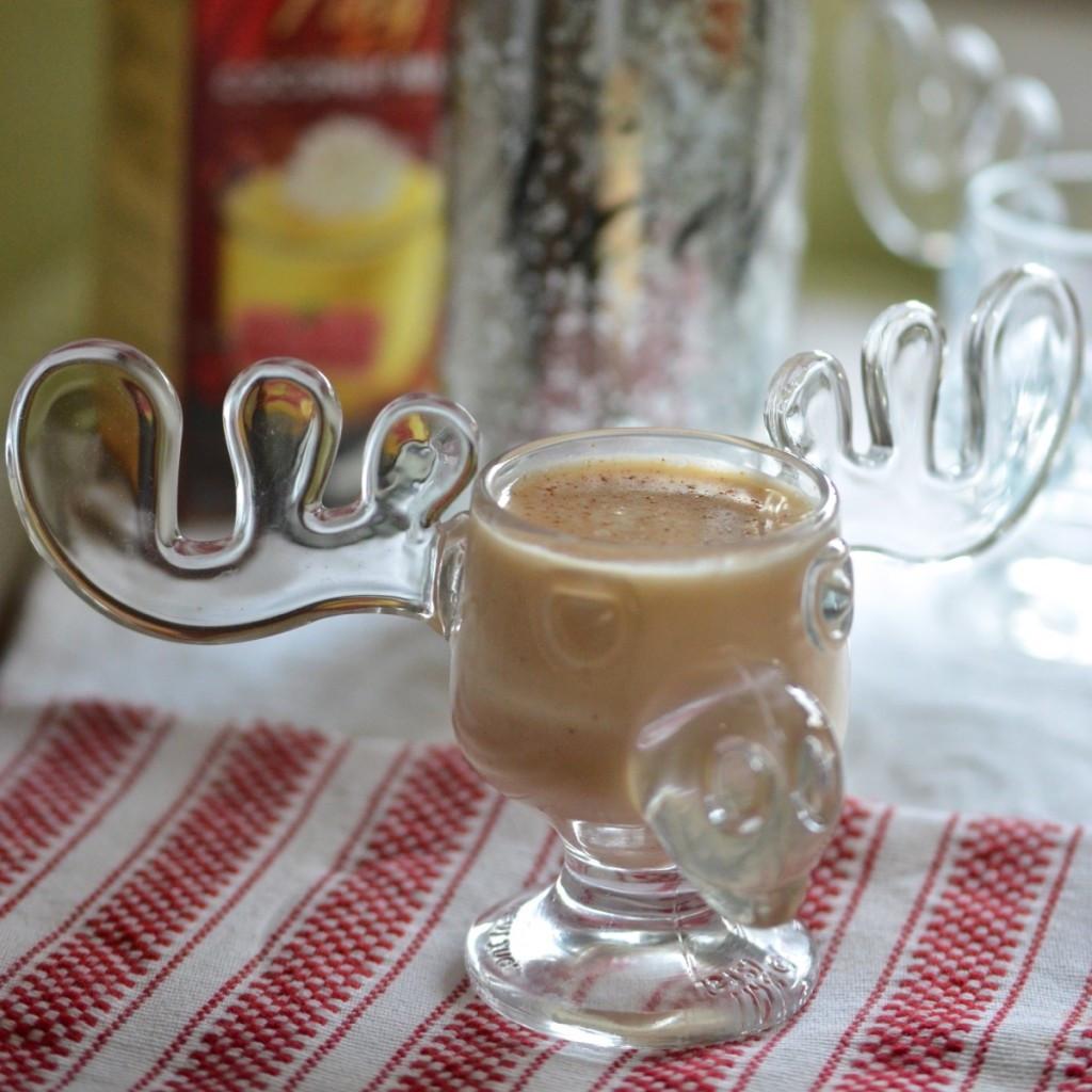 Christmas Vacation Eggnog Glasses  Christmas Vacation… the dinnervine
