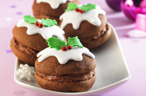 Christmas Whoopie Pies  Christmas pudding whoopie pies recipe goodtoknow
