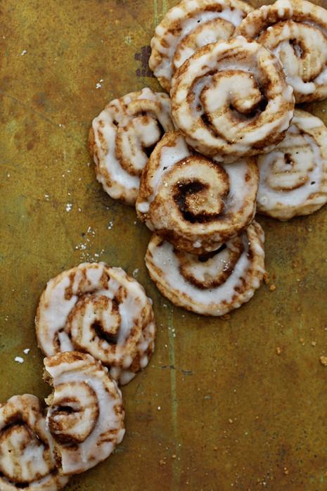Cinnamon Christmas Cookies  Cinnamon Roll Cookies