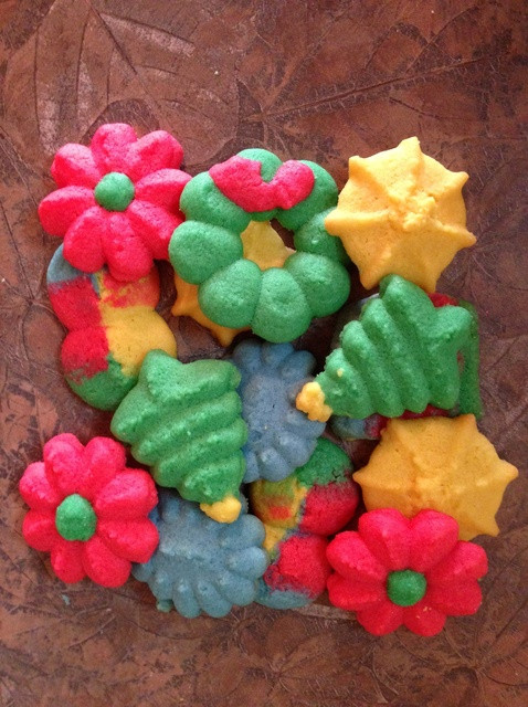 Colorful Christmas Cookies  How to Make Buttery Colorful Spritz Christmas Cookies