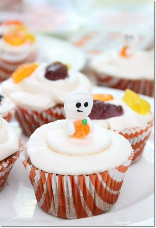 Cool Halloween Cup Cakes  homework a creative blog THE INSPIRATION BOARD