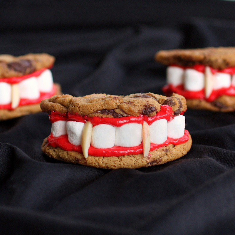 Creative Halloween Desserts  Hardly Housewives Creative Halloween Desserts
