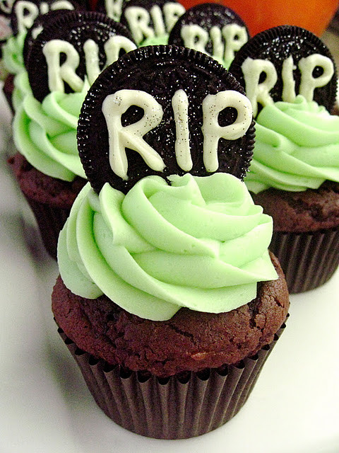 Cupcakes Para Halloween  Cookies & Cream Tombstone Cupcakes Your Cup of Cake