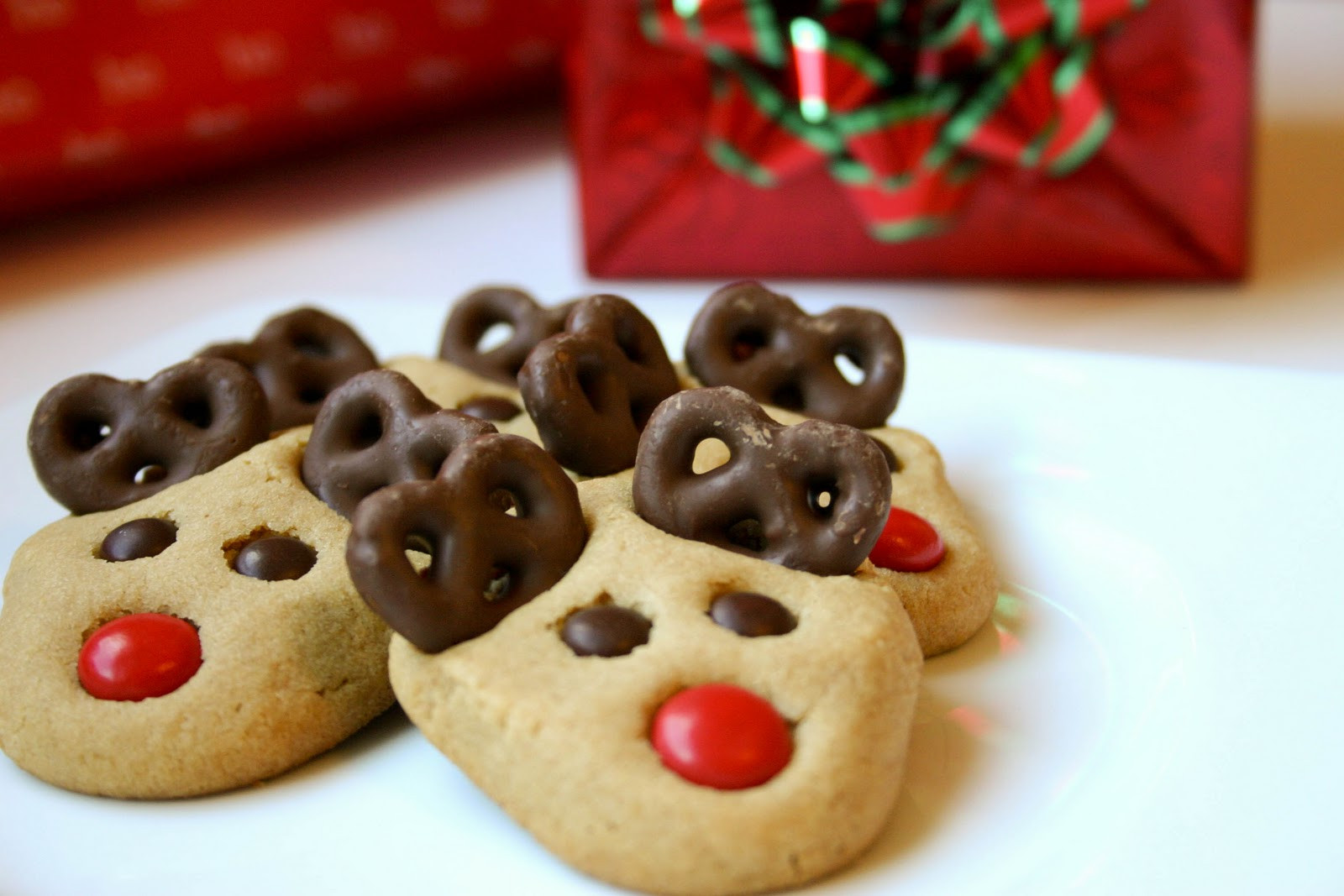 Cute Christmas Baking Ideas  Reindeer Cookies Recipe