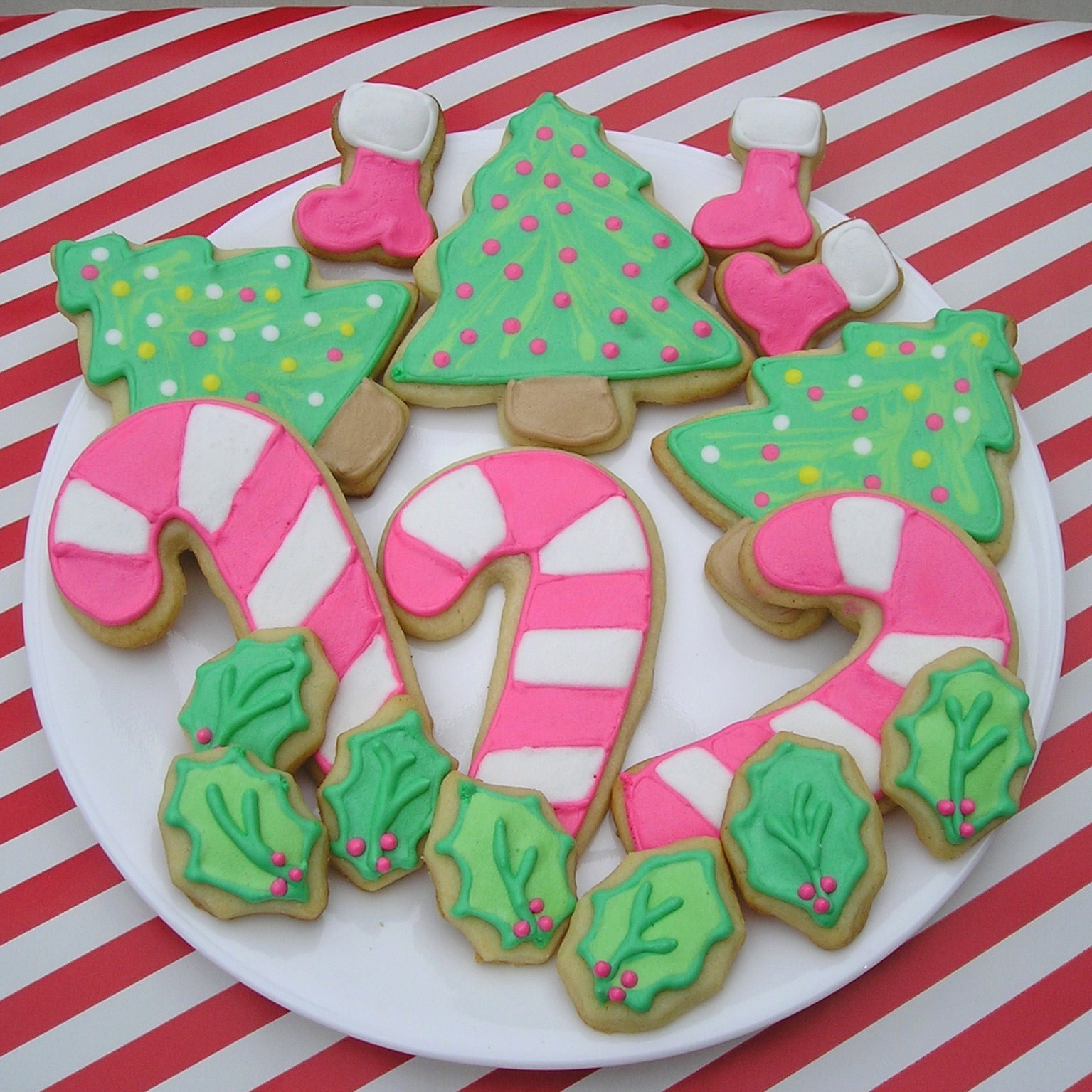 Decorated Christmas Sugar Cookies  I had so much fun decorating them I was hooked The icing