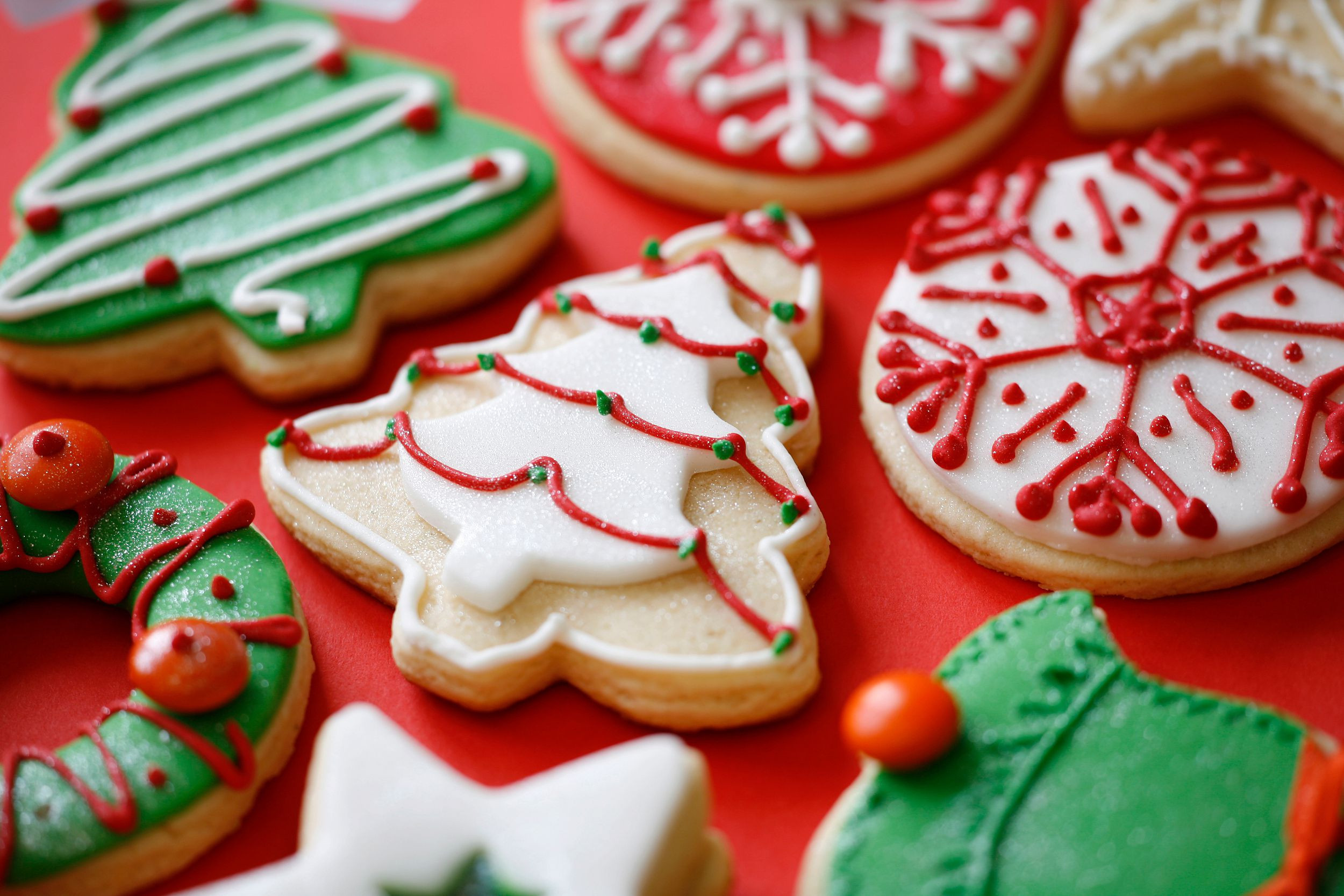 Decorating Christmas Cookies With Royal Icing  Royal Icing Recipe for Decorating Cookies