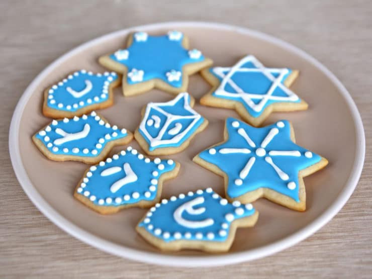 Decorating Christmas Cookies With Royal Icing  How to Decorate Sugar Cookies with Royal Icing Cookie