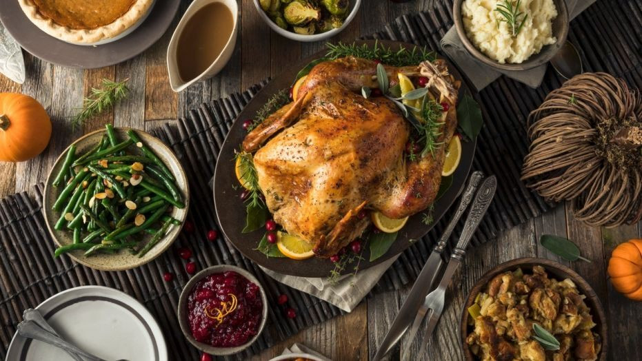 Delivered Thanksgiving Dinners  Neiman Marcus will ship you a full Thanksgiving dinner