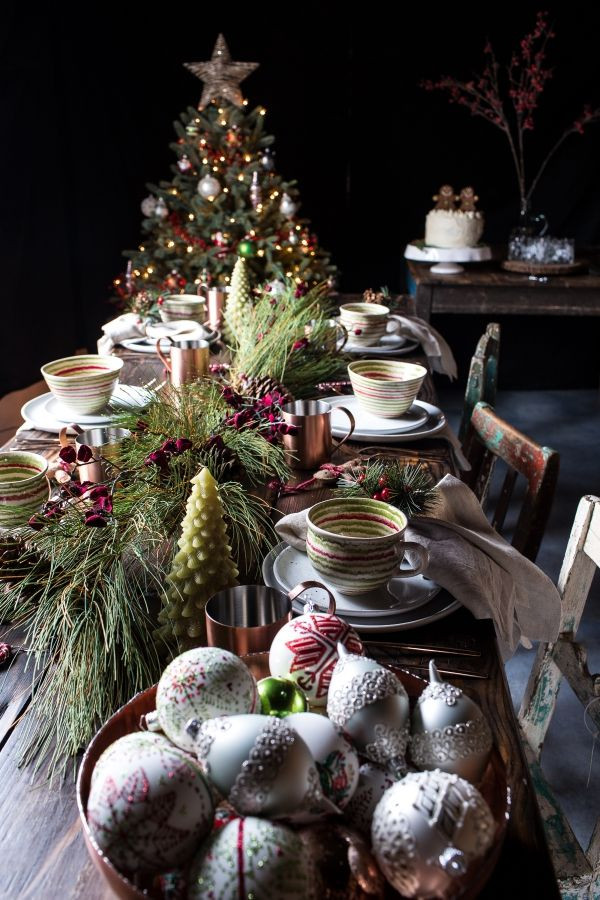 Different Christmas Dinners  25 unique Christmas dinner tables ideas on Pinterest