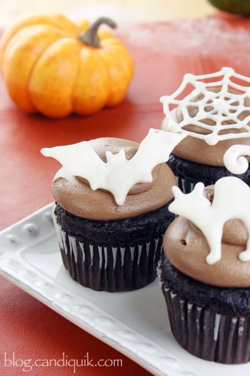 Diy Halloween Cupcakes  Easy DIY Halloween Cupcake Toppers