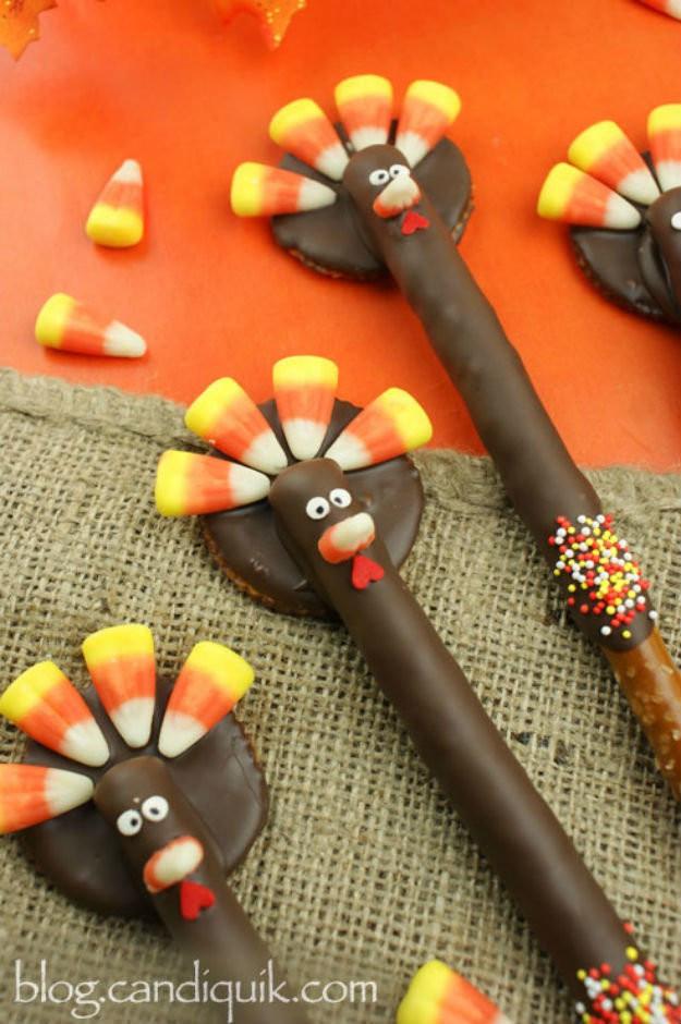 Diy Thanksgiving Desserts  How To Make Choco Turkey Pretzels