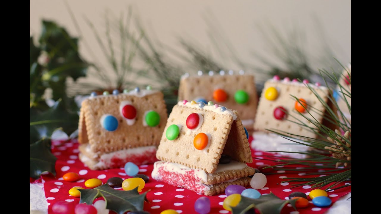 Easy Christmas Baking Recipies  Easy recipe How to make little cookie houses
