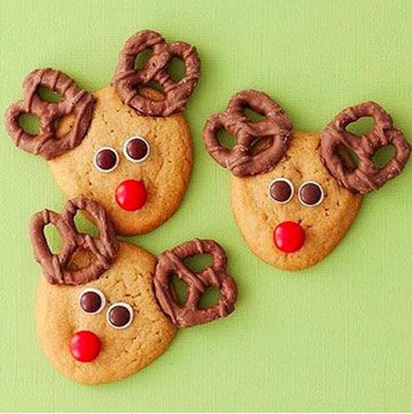 Easy Christmas Cookies To Make With Kids  Day 2 Holiday Favorites Pretzel Reindeer B Lovely Events