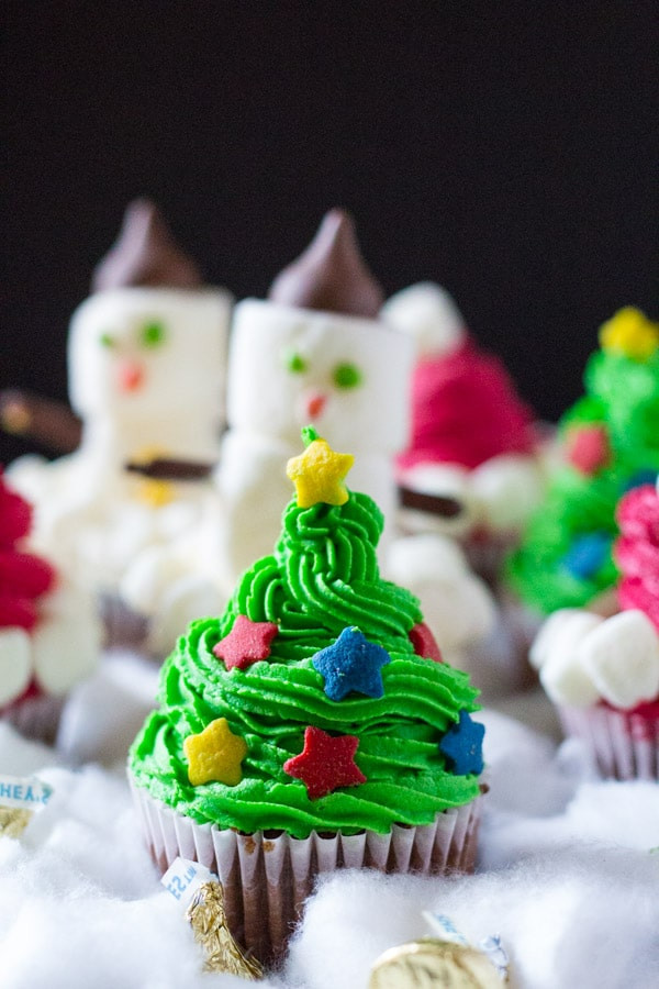 Easy Christmas Cupcakes  Three Easy Christmas Cupcakes