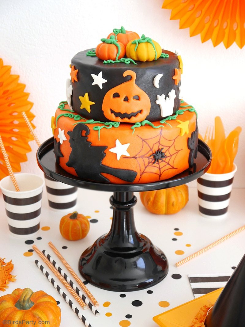 Easy Halloween Cakes  A Super Easy Two Tier Halloween Cake Party Ideas