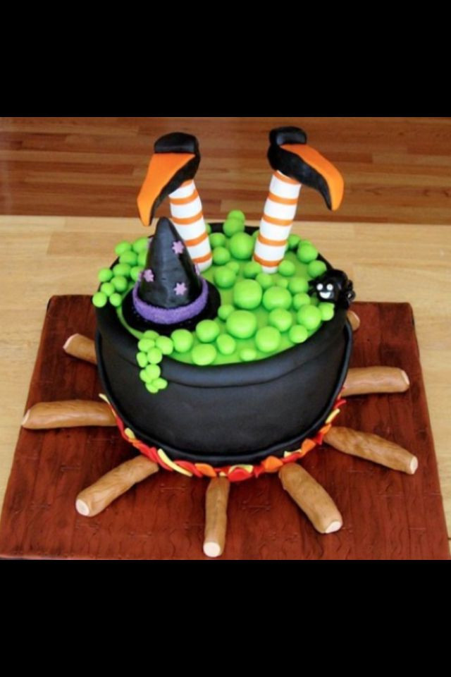 Easy Halloween Cakes  25 best ideas about Witch cake on Pinterest