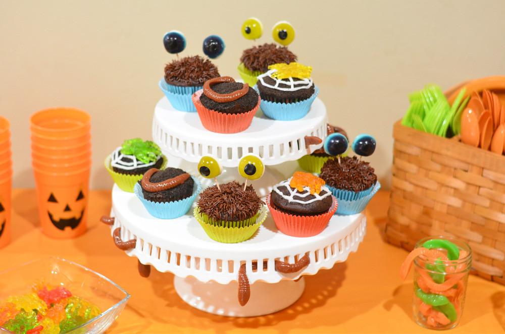 Easy Halloween Cupcakes  Halloween Cupcakes 3 Easy Halloween Cupcakes