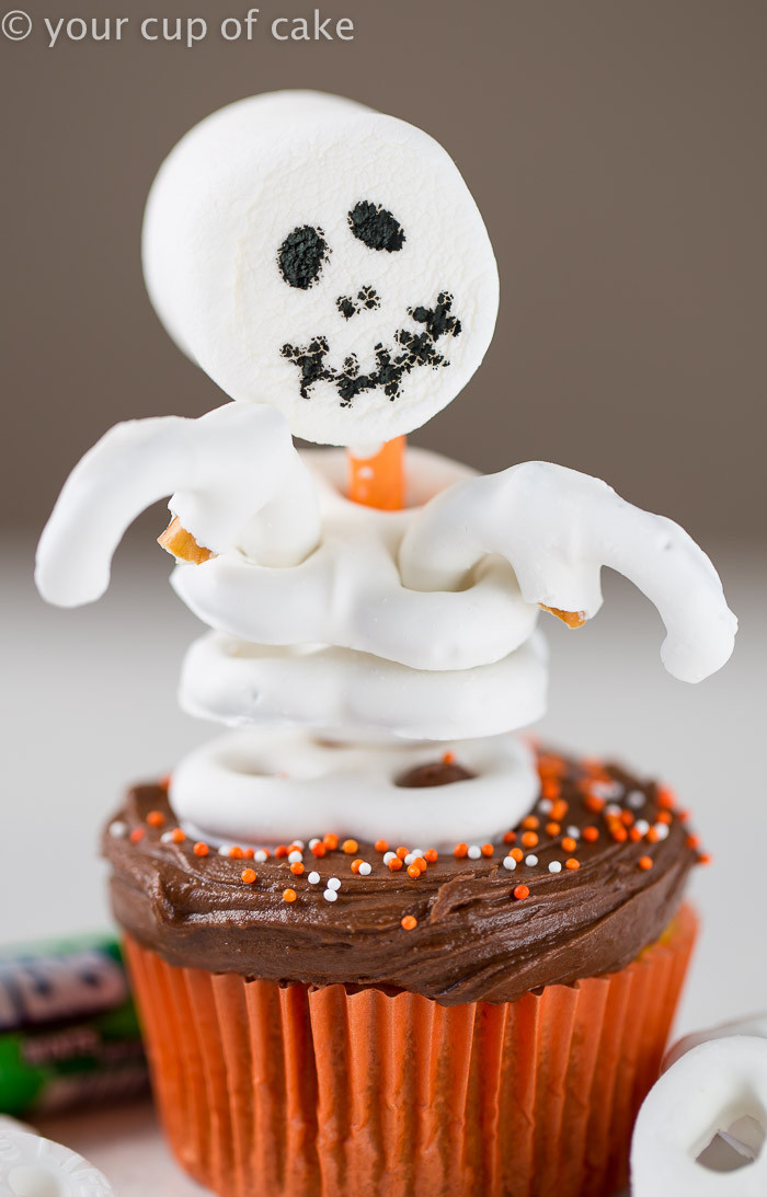 Easy Halloween Cupcakes  Easy Skeleton Cupcakes Your Cup of Cake