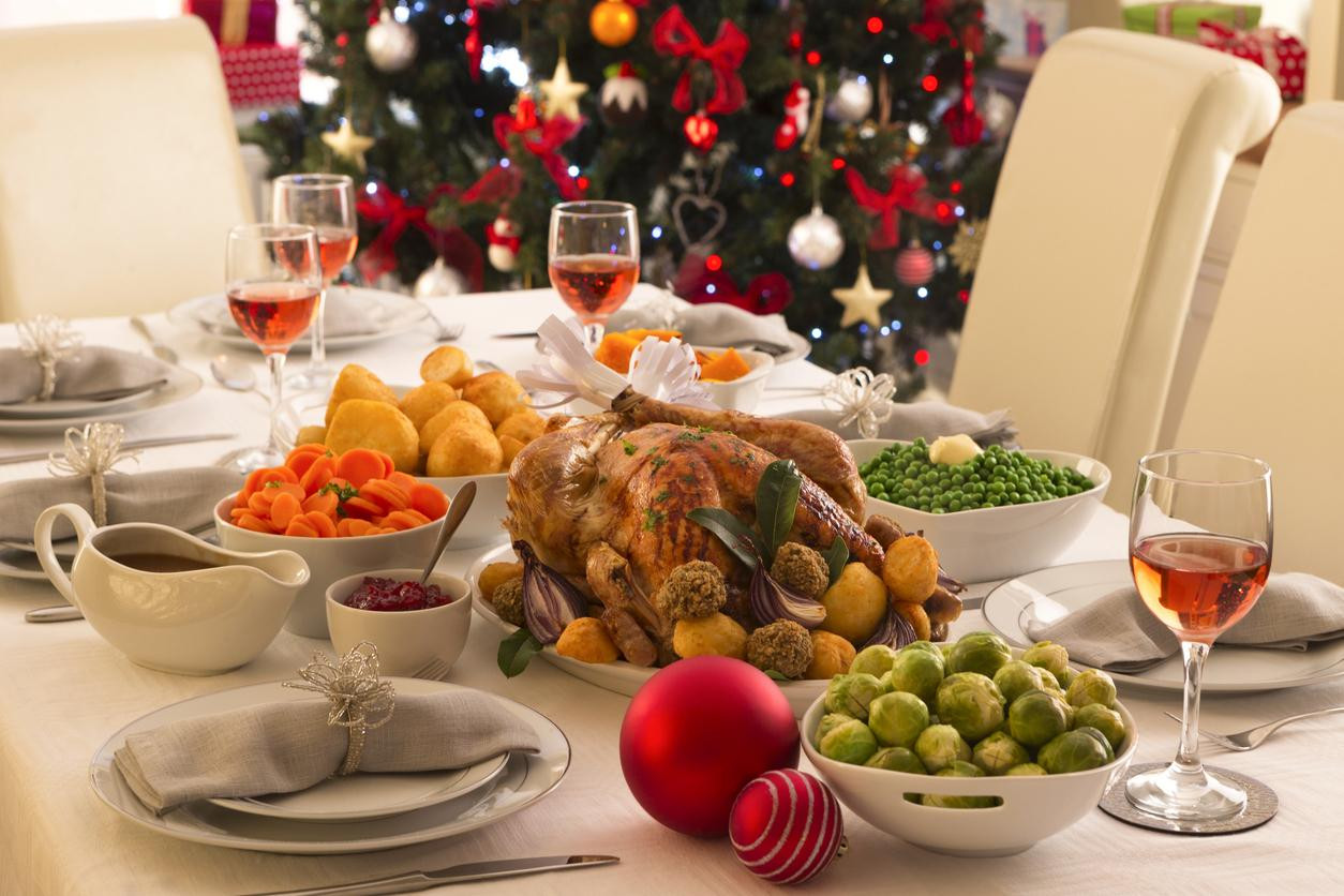 English Christmas Dinner  The average British person eats 6 000 calories on