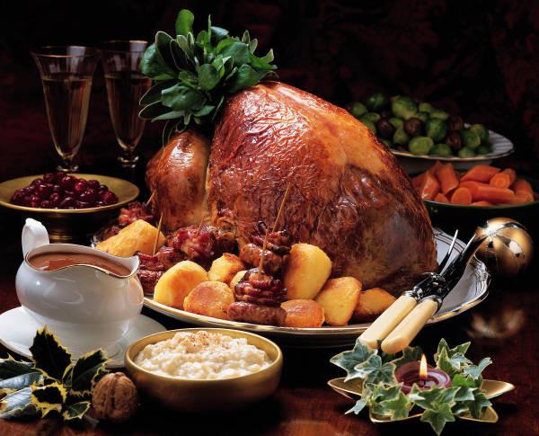 English Christmas Dinner  The Christmas Fiver Five British Christmas Traditions