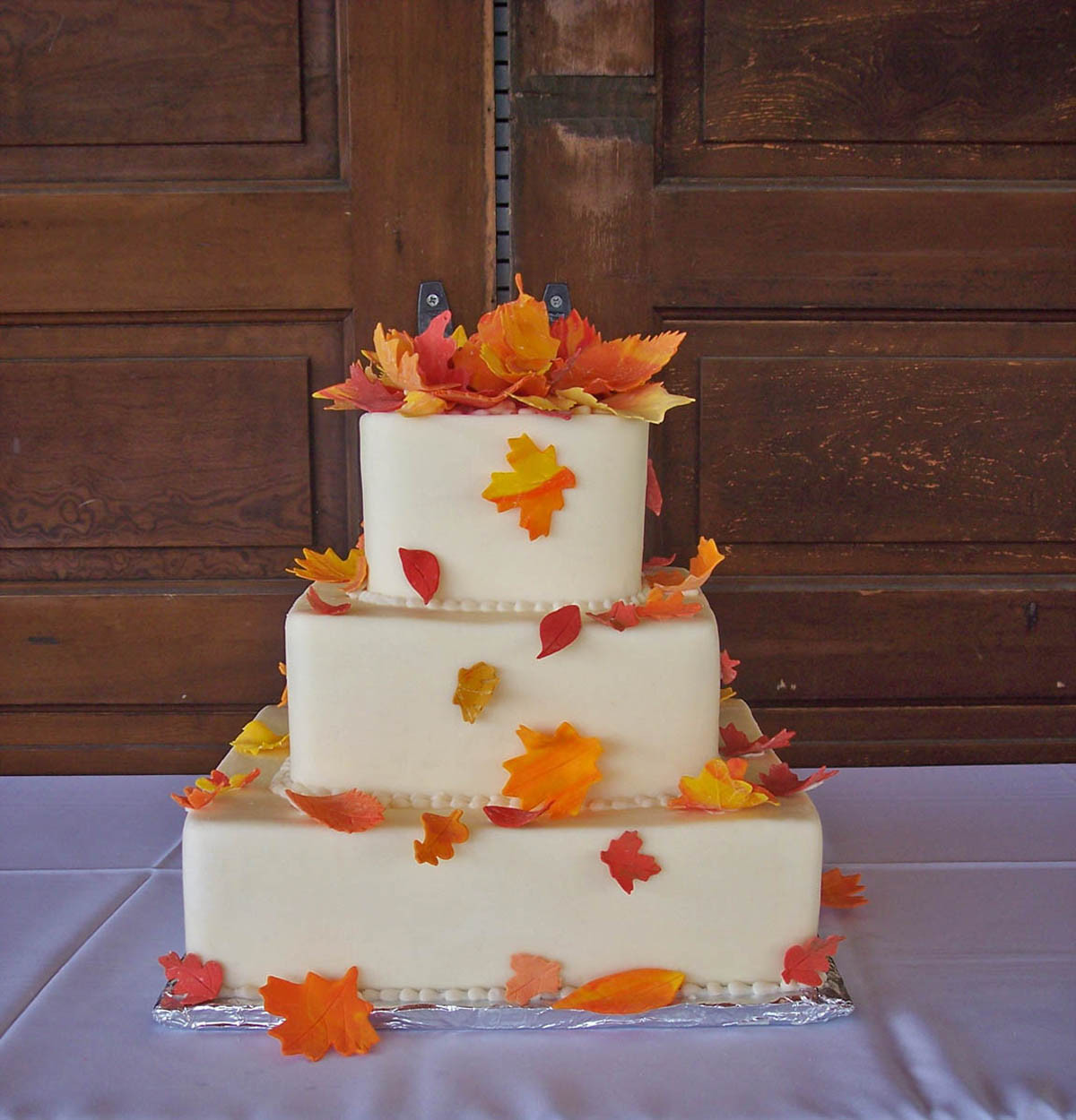 Fall Wedding Cakes Ideas  GAME Build a fall themed wedding NWR Chit Chat