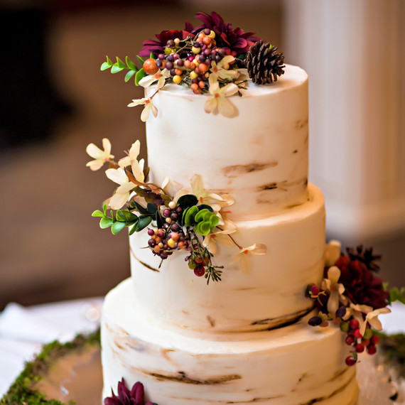 Fall Wedding Cakes Ideas  Unique Flavor binations for Your Fall Wedding Cake