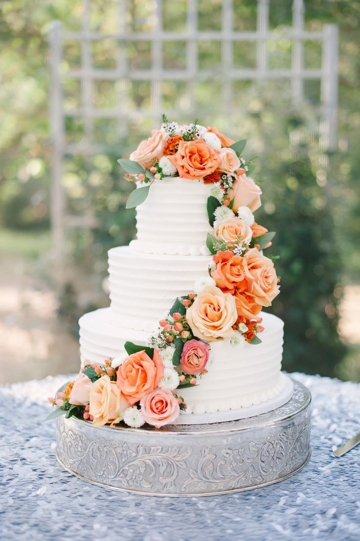 Fall Wedding Cakes Pictures  Best 25 Fall wedding cakes ideas on Pinterest